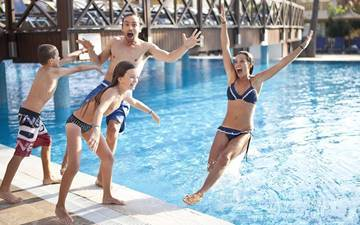 Come to the Best Hotel for Families in Spain for free