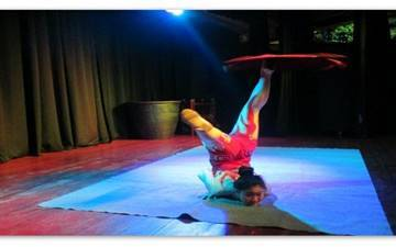 Entertainment  Show - Beijing Acrobats